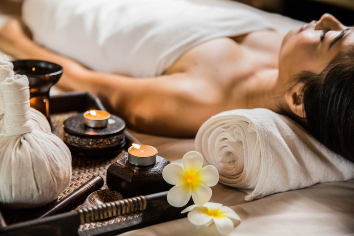 candle-in-the-spa-and-wellness-shutterstock_268505267-2-e1484211003426
