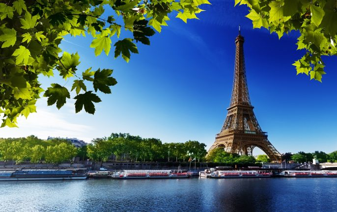 Seine in Paris with Eiffel tower in sunrise time_shutterstock_109331300_pix2000