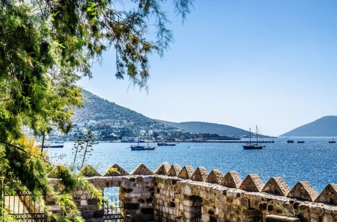 Ships-in-the-Gulf-of-Bodrum_shutterstock_749346118