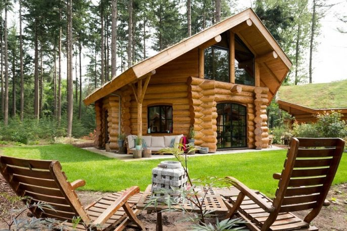 Airbnb Back to your Woods