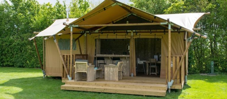 Kamperen in luxe tent Friesland